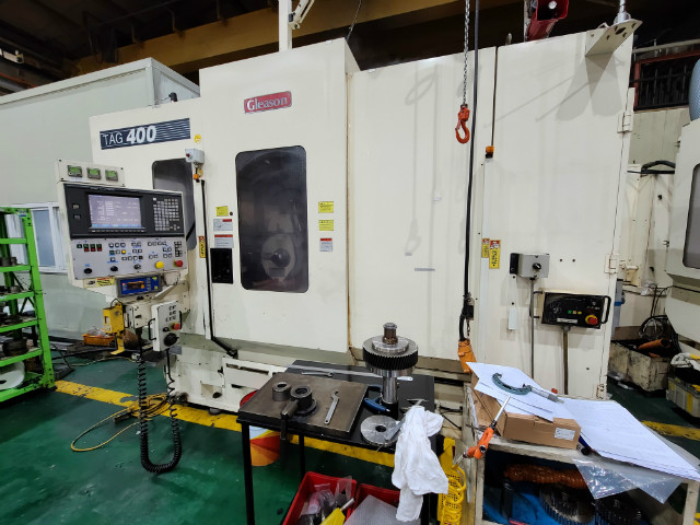 4.Gleason TAG400 [CNC 치연삭기].jpg